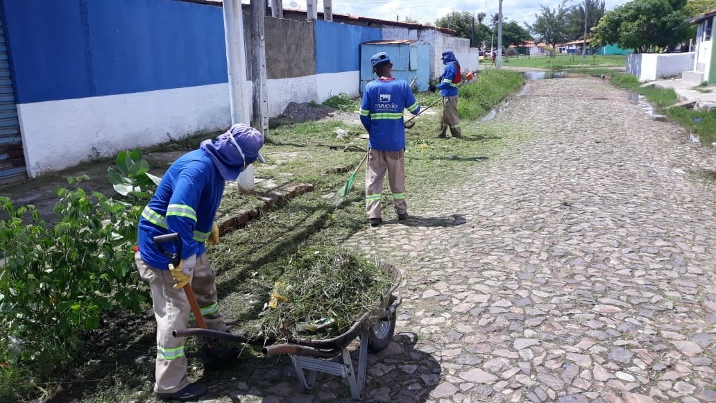 Prefeitura de Luís Correia intensifica limpeza pública em bairros da cidade