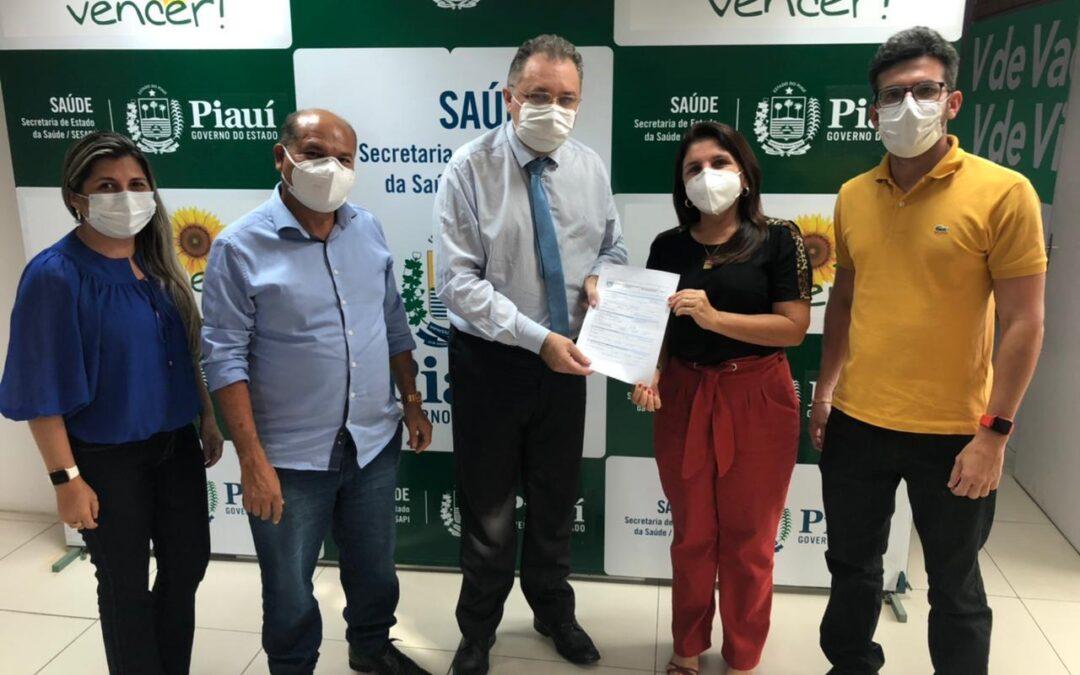 Prefeita Maninha entrega projeto de reforma do Hospital Municipal de Luís Correia