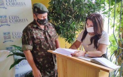 Prefeita Maninha Fontenele é empossada como presidente da Junta de Serviço Militar de Luís Correia